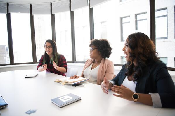 conference-room-discussion-employees-1181619